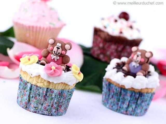 Cupcakes vanille gla age au chocolat recette de cuisine illustr e - Glacage cupcake facile ...