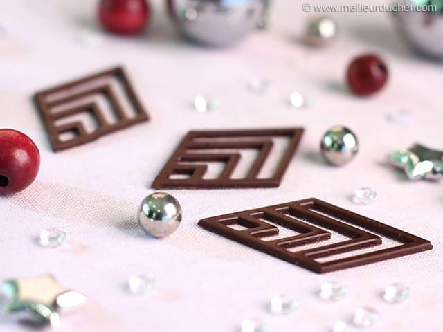 Decoration En Chocolat Technique Du Cornet : Losanges en chocolat notre recette illustrée