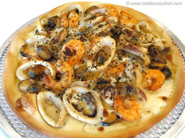 Pizza aux fruits de mer notre recette illustr e - Pates aux fruits de mer recette italienne ...