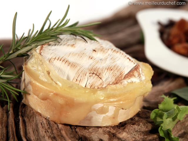 baked camembert - illustrated recipe