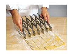 Stainless Steel Expandable Dough Cutter