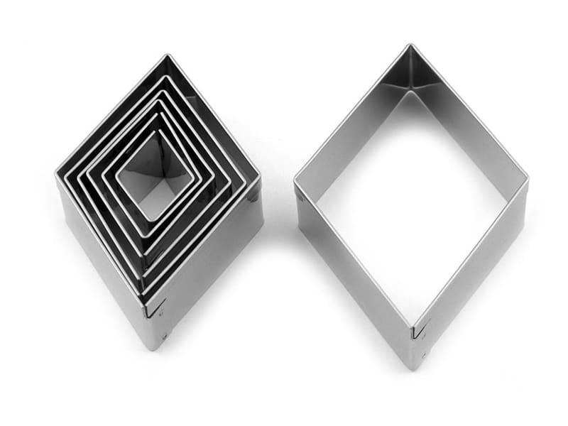Losenge shape 2cm x 2.5 cm