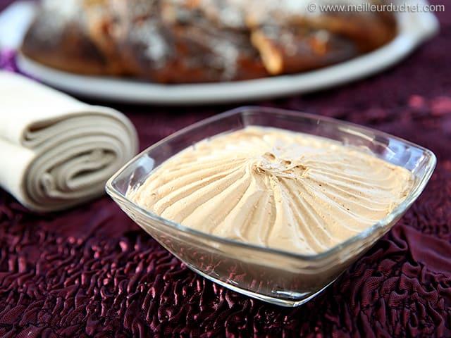 Creme Au Beurre Allegee Praline La Recette Avec Photos Meilleur Du Chef