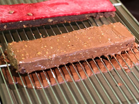 Entremets chocolat framboise sur brownie - 97