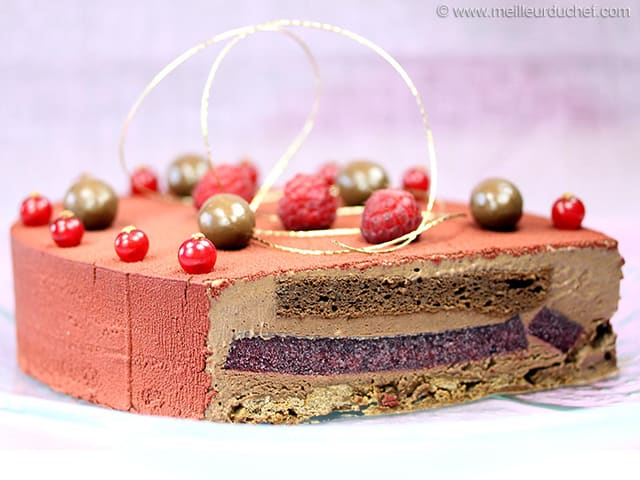 Entremets aux fruits rouges