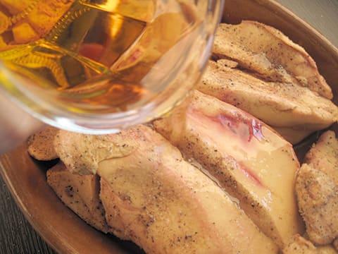 foie gras aux figues cuit au torchon notre recette. Black Bedroom Furniture Sets. Home Design Ideas