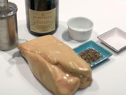 foie gras au torchon cuit au micro ondes la recette. Black Bedroom Furniture Sets. Home Design Ideas