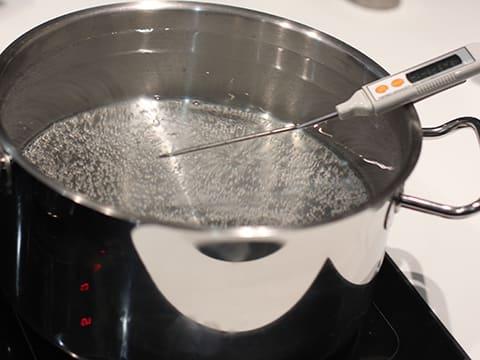 pommes de terre nouvelles au romarin et l 39 ail recette de cuisine avec photos. Black Bedroom Furniture Sets. Home Design Ideas