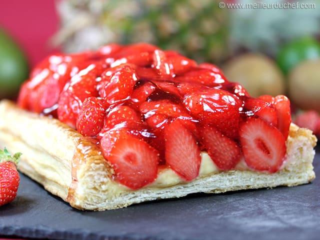 Tarte aux fraises fiche recette avec photos - Decoration tarte aux fraises ...