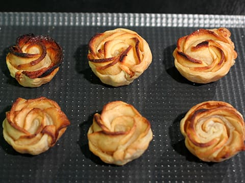 Puff Pastry Apple Roses - 30
