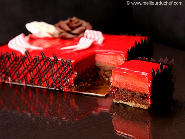 Birthday cake illustrated recipe for Miroir de sucre
