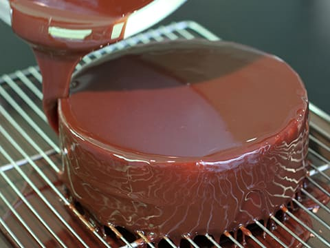 Gianduja Mirror Icing - 12