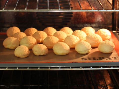 Ready-To-Fill Craquelin Choux Puffs - 25