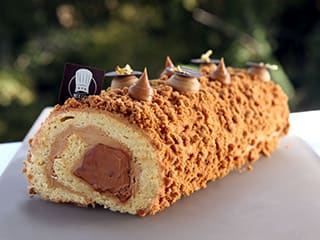 Cinnamon Speculoos Yule Log