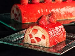 Strawberry & Champagne Yule Log