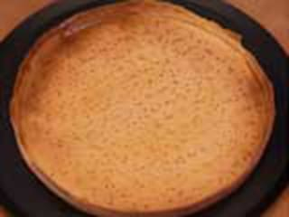 Coating a blind baked pie shell