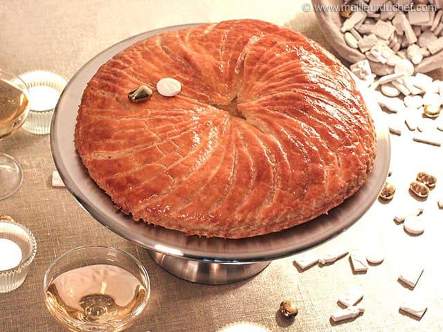 Galette des rois with frangipane our recipe with photos - Deco galette des rois ...