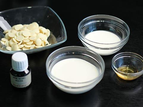 Liquorice Macarons Illustrated Recipe Meilleurduchef Com