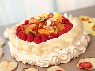 Pavlova with Dried Fruits