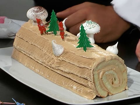 Traditional Bûche de Noël - 52